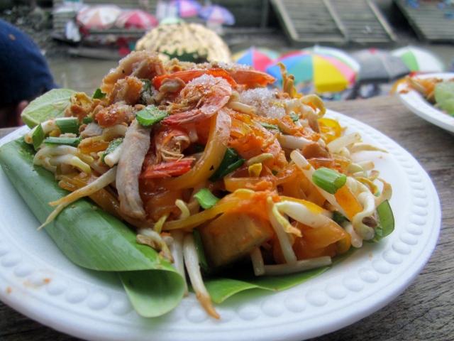 Pad Thai 15 baht