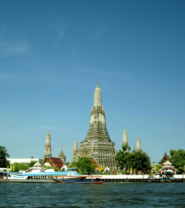 Wat Arun view from Chao Phraya River