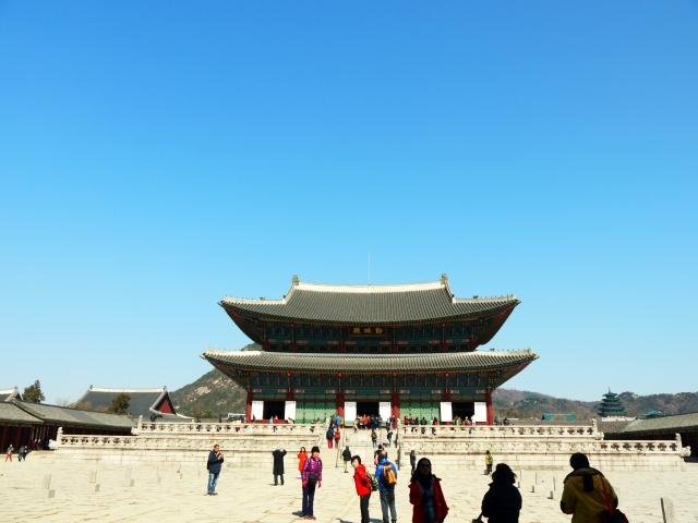 Gyeonjeongjeon Throne Hall