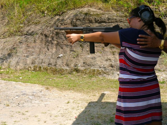 using the Thompson submachine gun
