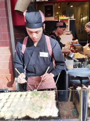Takoyaki-making in action